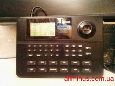 Продам Alesis SR-16 Stereo Drum Machine