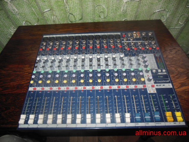 Продам Soundcraft EFX12